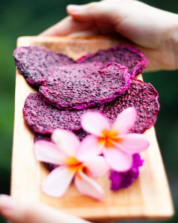 https://domchokolada.ruСухофрукты Костариканская красная Питахайя, фото   Дом Настоящего Шоколада